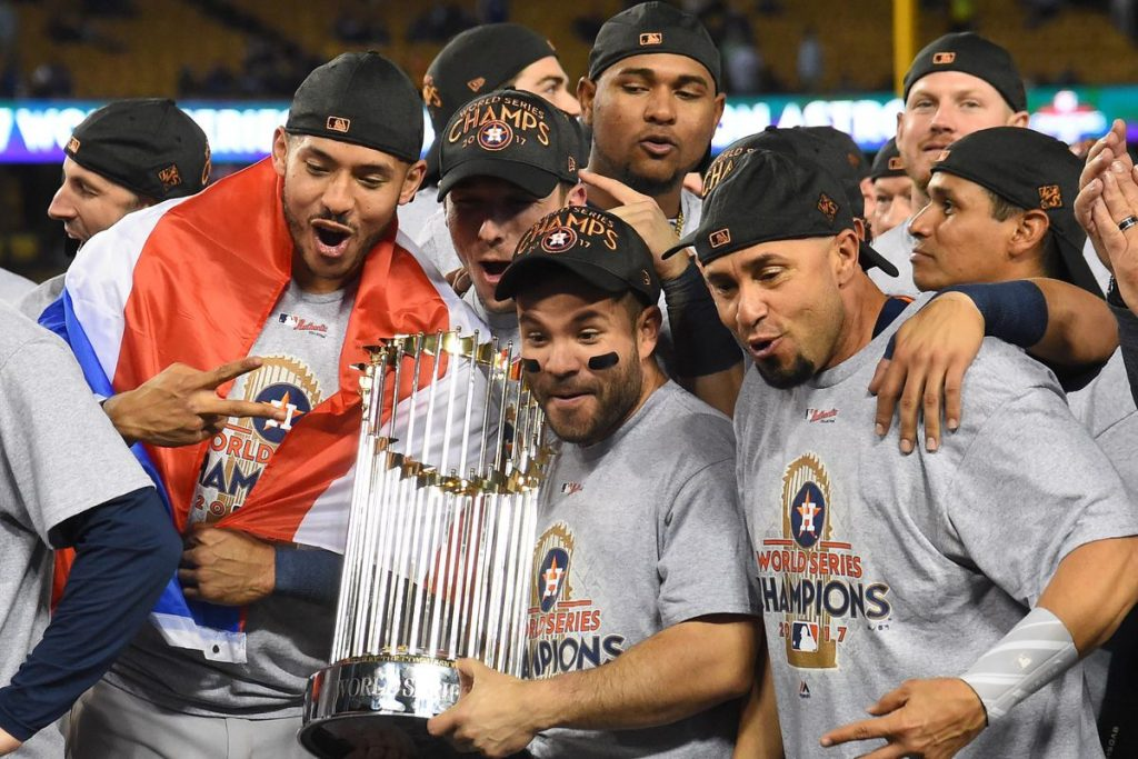 Houston Astros Winning 2017 World Series